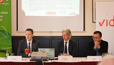 WKÖ-Bundesspartenobman Alexander Klacska, Studienautor Prof. Sebastian Kummer und vida-Bundessekretär Karl Delfs